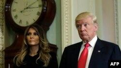 АКШнын шайланган президенти Дональд Трамп жана жубайы Мелания Трамп.