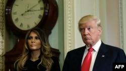 ԱՄՆ ընտրված նախագահ Դոնալդ Թրամփը կնոջ՝ Մելանյայի հետ, 10-ը նոյեմբերի, 2016թ․