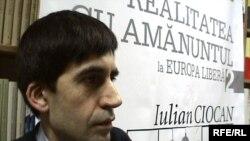 Moldova - Iulian Ciocan , a writer at the premiere of his book in Cartier Bookshop, Chisinau, 12Feb2009