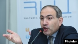 Armenia - Opposition leader Nikol Pashinian speaks at a news conference in Yerevan, 28Feb2017.