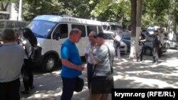 Возле здания суда, где пройдет заседание по «делу Умерова», 31 мая 2017