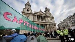 Londër - Pamje nga protesta të mëhershme kundër masave të kursimit.