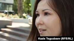 Алия Турусбекова, жена осужденного оппозиционного политика Владимира Козлова. Алматы, 3 июля 2014 года.