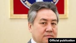 Жээнбек Кулубаев.