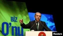 Redžep Tajip Erdogan tokom govora na jednoj ceremoniji u Istanbul, 8. maja 2016.