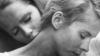 """Bibi Andersson (dr.) cu Liv Ullmann în """"Persona"""", filmul lui Ingmar Bergman"""
