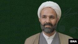 نصرالله پژمانفر، نماینده مشهد و عضو کمیسیون فرهنگی مجلس که گفته میشود طرح واگذاری سرورها را ارائه کرده است