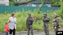 Дорога Слов'янськ – Краматорськ: цивільні і військові
