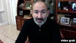 Премьер-министр Армении Никол Пашинян в прямом эфире (архив)