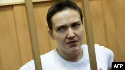 Надежда Савченко на слушаниях в суде. Ноябрь 2014 года