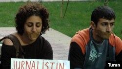 Etirazçılar jurnalistə azadlıq tələb edirlər