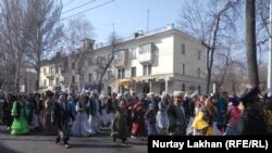 Участники «Шествия Наурыз». Алматы, 21 марта 2019 года.