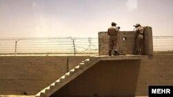 Иранские пограничники на границе с Афганистаном.