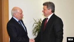 Посредникот на ОН во спорот за името Метју Нимиц на средба во претседателот Ѓорге Иванов во Скопје.