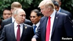 Presidenti rus, Vladimir Putin dhe ai SHBA-së, Donald Trump. Foto nga arkivi