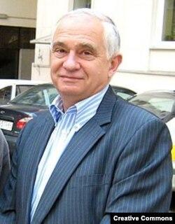 Януш Земке