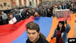 Հայաստան - Քաղհասարակության ներկայացուցիչների բողոքի ակցիա Երևանում, արխիվ