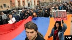 Ermənistanda Gömrük İttifaqına qoşulmaq leyhinə etirazlar, 2 dekabr 2013