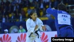 Отгонцэцэг Галбадрах на соревнованиях в Алматы. 13 мая 2016 года.