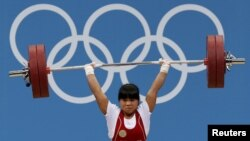 Kazakhstan's Zulfiya Chinshanlo won a gold medal in the women's 53-kilogram weightlifting group.