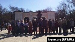 Симферополь, памятник Тарасу Шевченко, 9 марта 2017 года
