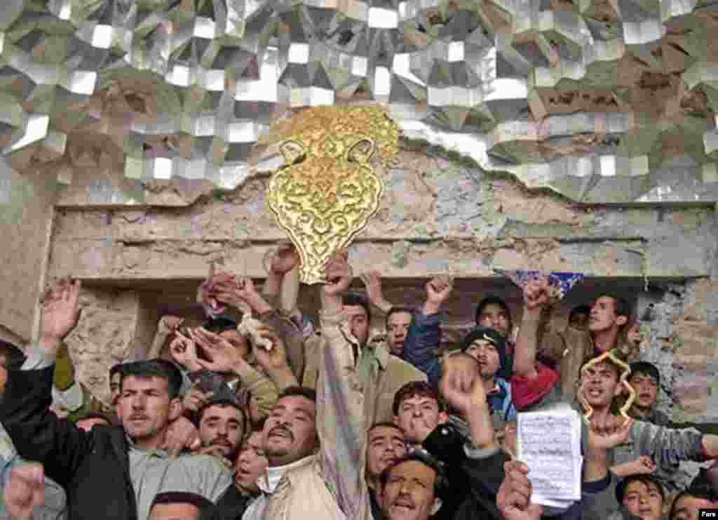 Iraq -- Al-Askari Mosque in Samarra, 13Jun2007