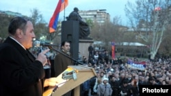 Armenian opposition leader Levon Ter-Petrossian addresses supporters at a rally in Yerevan in April.