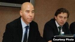 Olivier Baudelet (Comisia Europeană) și Dumitru Alaiba (Cancelaria guvernului)