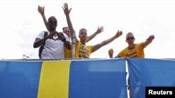 Шведские фанаты футбола на чемпионате Европы по футболу Euro-2012. Украина, Киев, 9 июня 2012