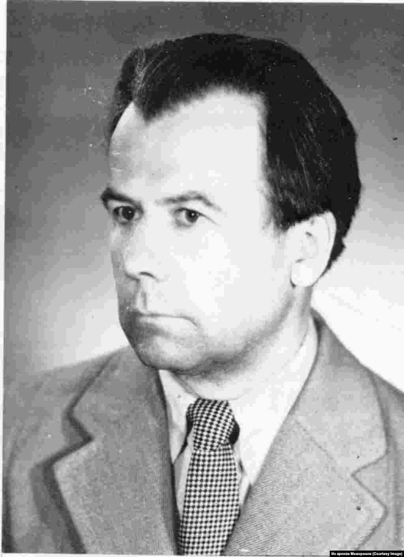 Март Никлус (род.1934) - эстонский диссидент, политзаключенный с 1958 по 1966, а затем с 1980 по 1988.