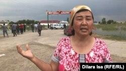 Тасқын су алған Өргебас ауылының тұрғыны Тазагүл Рысманбетова. Мақтарал ауданы, 3 мамыр 2020 жыл.