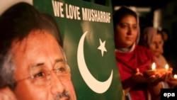 طرفداران ژنرال مشرف کسی که در صدد است تا عمر ریاست خود بر قوه مجریه را برای پنج سال دیگر تمدید کند