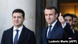 Французские СМИ утверждают, что во время визита в Украину президент Франции предложит кредит на самолеты Dassault Rafale