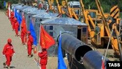 Қазақстан-Қытай газ құбырының құрылысы. Алматы облысы, 9 маусым 2008 жыл. (Көрнекі сурет)