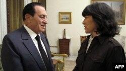 Եգիպտոսի նախագահ Հոսնի Մուբարաքը հարցազրույց է տալիս ABC News-ի թղթակից Քրիշյըն Ամանփուրին, Կահիրե, 3-ը փետրվարի, 2011թ.