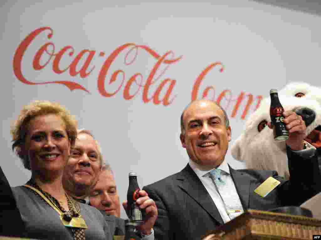 ЗША. Кока-Кола сьвяткуе 90-годзьдзе свайго гандлю на Нью-Ёркскай біржы.
