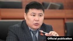 Депутат Тазабек Икрамов.