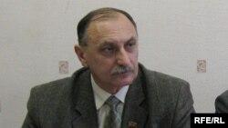 Валер Ухналёў