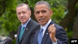 АҚШ президенті Барак Обама (оң жақта) мен Түркия президенті Режеп Тайып Ердоған.