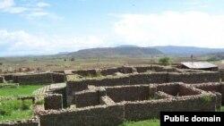 نمایی از آثار کشف شده در محلی که گفته می شود قصر ملکه سبا در آن بنا شده بود.