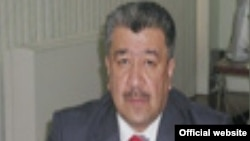 Ўзбекистон Милиий телерадиокомпанияси (МТРК) раиси Алишер Хўжаев.