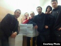 """""""Приморские партизаны"""" и тома их уголовного дела, февраль 2012 года"""