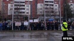 Протест на стечајци пред Влада