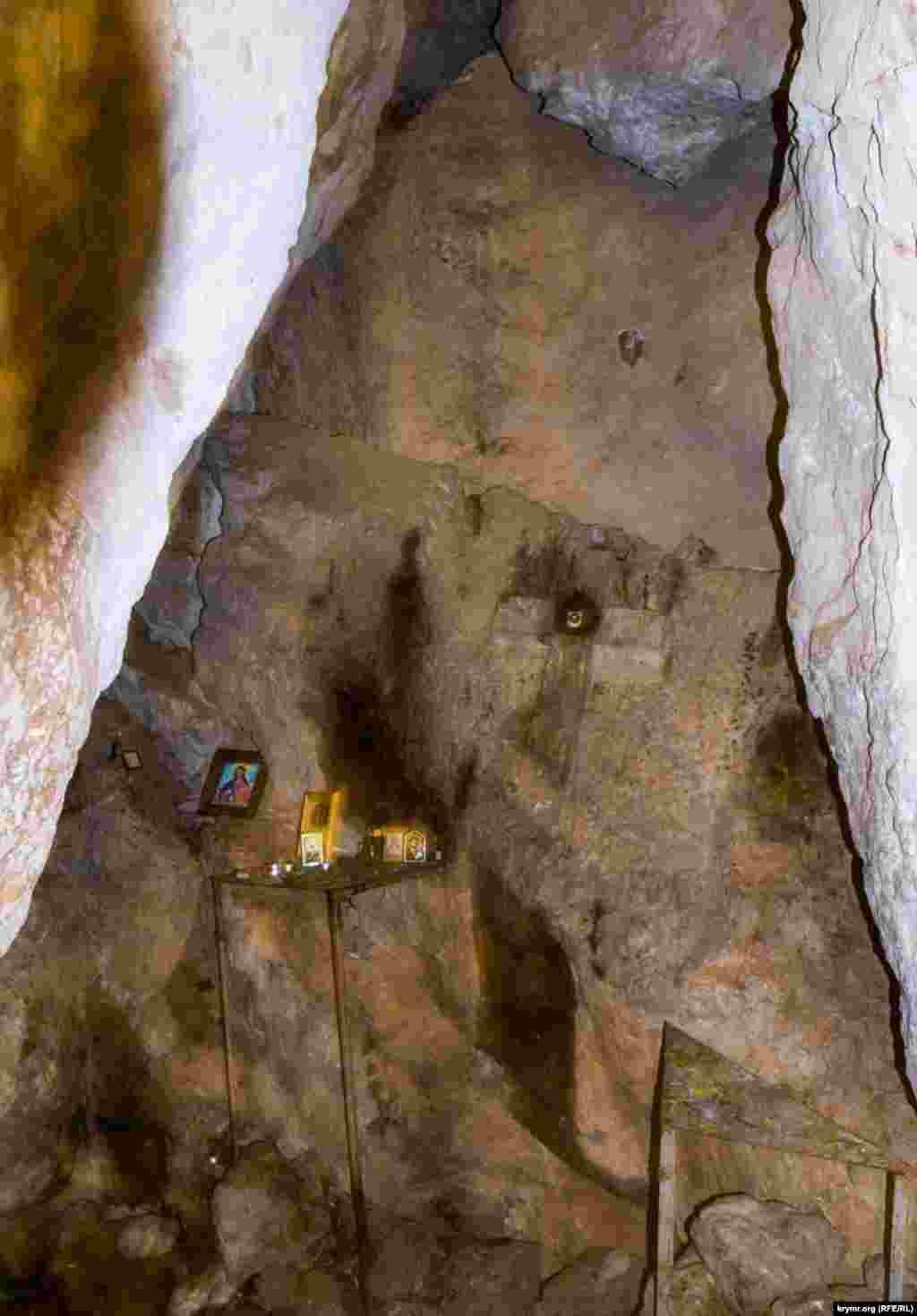 Вівтар печерної церкви Іоанна Предтечі