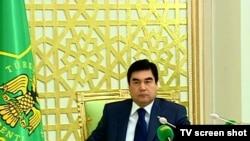Türkmenistanyň prezidenti Gurbanguly Berdimuhamedow Ministrler Kabinetiniň giňişleýin mejlisinde, 10-njy ýanwar.
