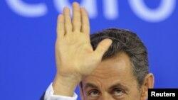 Европейские лидеры продолжают искать пути к выходу из кризиса в Еврозоне (на фото Николя Саркози)