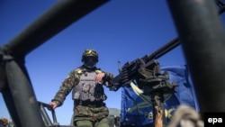 Украинский военнослужащий в районе Дебальцева (Донецкая область)