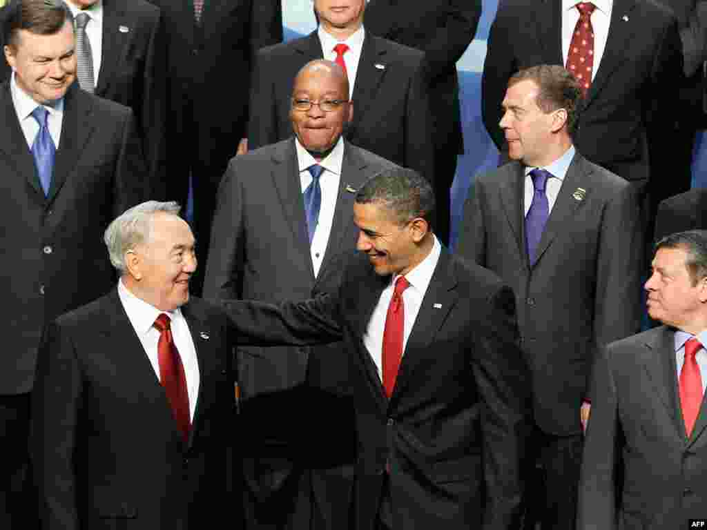 Barack Obama sa svojim kazahstanskim kolegom Nursultanom Nazarbaevim
