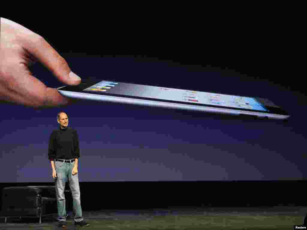معرفی آیپاد ۲ توسط استیو جابز در سان فرانسیسکو