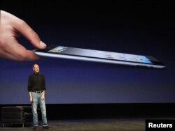 iPad 2 prezentat la San Francisco în aprilie 2011